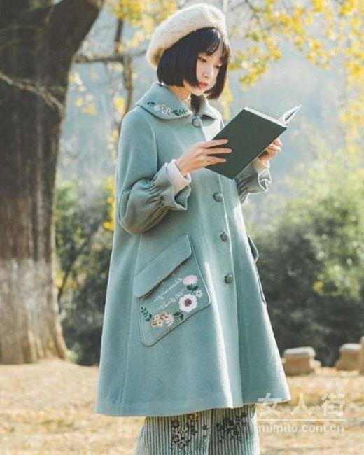 想轻松凹造型,时髦大衣来助力